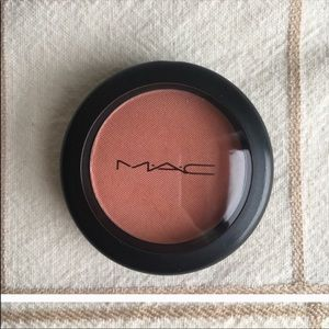 Mac blush in Style